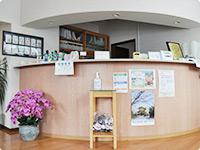 飯塚市の歯医者で最先端インプラントや審美歯科治療なら嘉麻市てしま歯科クリニック。